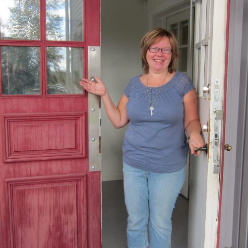 Administratören Ylva hälsar alla välkomna till öppet hus nu på fredag!